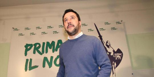 Lega: Salvini nuovo segretario con 82% dei voti