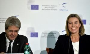 Paolo Gentiloni e Federica Mogherini